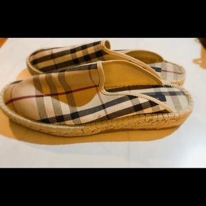 Burberry slides size 41 LIKE NEW AUTHENTIC